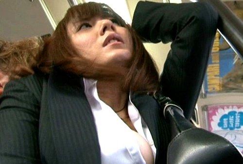 """〚麻美ゆま〛俺たち変態をを逮捕しようってか・♪オッパイ姉ちゃんハメてやるべ""""ゆまちん""""囮捜査官がバス車中で輪姦の辱めwwww"""