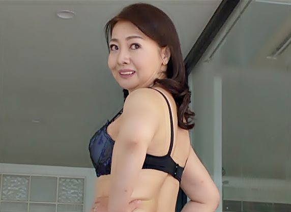 〚六十路・還暦〛〝西崎史乃〟・・・どう年齢以上に引き締まったエチボディでしょ♬完熟ババアだけど抱いてみたい熟女初撮りだぜwwww