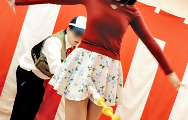 ☆☆☆クリちゃん・・グリグリ企画☆☆☆素人お姉さんのマンスジにコブ紐を食込ませろ…落とせば水着剥ぎ取って電マでイタズラwww