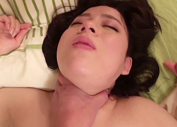 ☆☆ヤバい。。。死んじまった???ジミ~むっちりおばさん貫いたら狂ったようにアクメ声出すから…首絞めたら膣締まり杉て中にWWWW