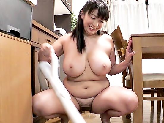 ☆☆折原ゆかり☆☆ご主人。。。マ◎コ覗き込んじゃ。。。だめょ♬♬おでぶ裸族の掃除婦奥さまは⇒⇒下のお世話が大好物WWWWWW