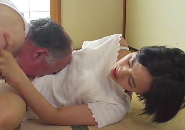 ◇◇向井藍、、、NTR堕ち◇◇義理パパ。だろぇぇーーーーー♪小娘みたい若嫁が変態ハゲ親父のオモチャにされちまうwwwwwwww