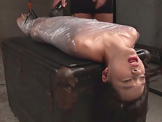 ◇◇あべみかこ、、、強烈/死んじまったのか?◇◇☆☆皮膚呼吸も困難なサランラップ責め+イラマチオで女体ミイラ完成WWWWWW
