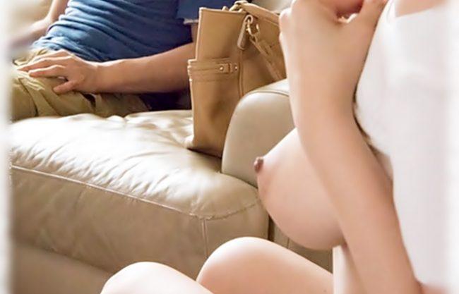 ☆☆浜崎真緒。。。おネーちゃん寝取り専門☆☆カレくん。。お乳しゅき??♪悪魔的お乳誘惑なんて耐えきれねえぜWWWWWWWW