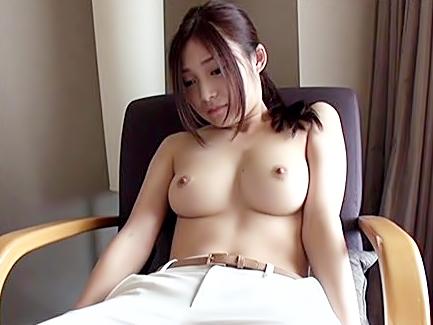 〔香澄はるか〕、、脱いだら吃驚仰天♬童顔に似合わないSUPERお乳娘が快感を求めて上京して来たぜwwwwwwwwwwww