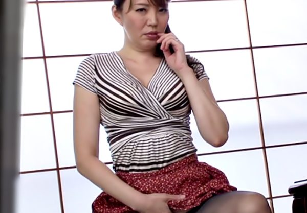 ママ~~肉食系のにお目目エロ杉~〚アラフォー母子相姦(^^♪〛思春期息子をオナニーで挑発するイケナイ熟妻の悪行の数々www
