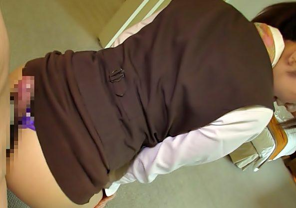 どこに出したいの…フフフ♡♡【完全ド痴女降臨(^^♪】パンツ視えそうな超ミニタイトスカートがチ◎コに逆セクハラ三昧wwww
