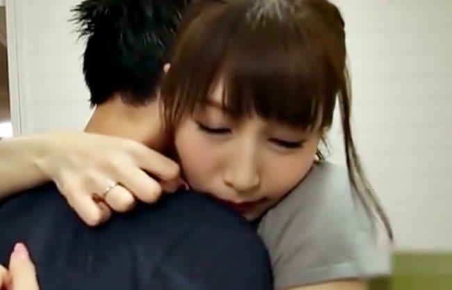 お願い…抱いて♡【佐々木あき(^^♪】下半身不随のパパを介護する元教え子の屈強おチ○コに美魔女が完堕ちしちまったぁ~wwww
