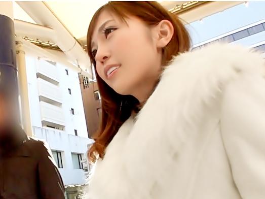 此の子…何処のアイドルグループ?【素人ナンパ(^^♪】芸能界で通用するレベルのキュート娘をパコっちまおうぜwwww
