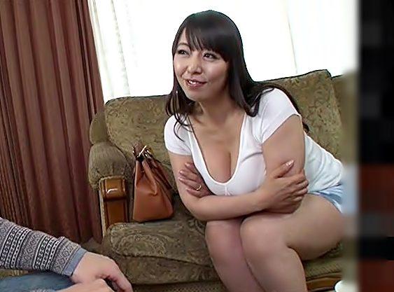 おばさんと中出しするフフフ♡【村上涼子(^^♪】ママ連れが凄いエロフェロモンで思春期チ〇コを喰っちまったwwww
