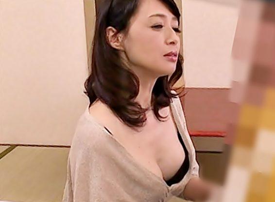 【不貞妻って。。。すごぉぉ(^^♪】M男他人棒を悶絶させちまう淫乱奥さまのアナル舐めをお見逃しなくwwww
