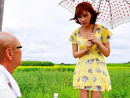 【キララ(^^♪】田舎の枯れかけたジジイがアイドル娘の凄テクで勃起硬度が復活するのが大実験始まり始まり~wwwww