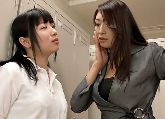 【小早川怜子(^^♪】フフフ♡おなた食べてあげる!!おばさん女教師がツンデレJKをレズの快感に完堕ちさせちまうぜwwww