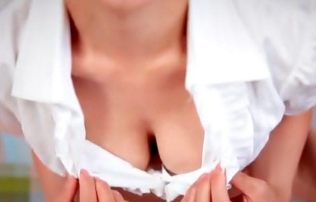 清楚な巨乳元女子アナウンサー【濱松愛季(^^♪】おもちゃでオナニーしちゃうお姉さんにをエチなマッサージでお仕置きだwwww