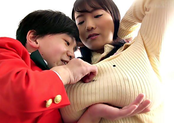 お姉さん…おっぱい重い~~~♡【澁谷果歩(^^♪】マセガキ?ちびっ子と神乳Bodyがイキ潮まで吹いちまう禁断エッチwwww