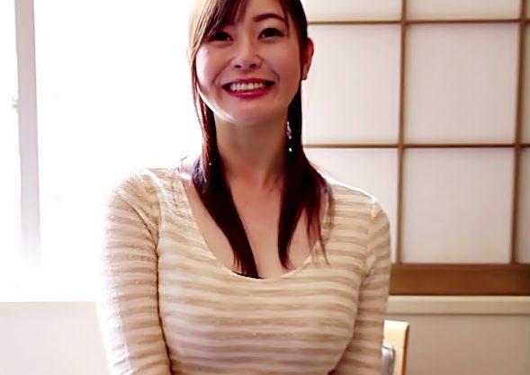ボイ~~~ン♡ロケットオッパイお姉さん発見(^^♪着衣でも分かる見事なお乳をキャンギャルに仕上げて食べちまおうぜwwwww