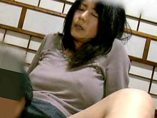 【ヘンリー塚本/三浦恵理子】おばさん。。。スゲ~ロケットオッパイじゃねえか(^^♪再婚した旦那と46時中ハメ狂っちまったwwwww