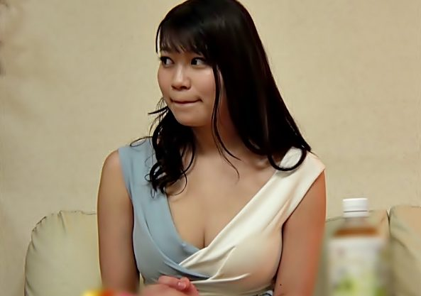 デリ嬢呼んだら。。。憧れのご近所奥さま♡(^^♪自己主張するデカパイBodyがお店にナイショで中出し誘ってきたぁぁ~~wwwww