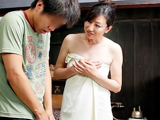 50歳おばさんの誘惑ってすごぃぃ~~~(^^♪チェリーって言葉を確かめようと隣人の年下チ◎コを食べちまったぁ~~wwwwww