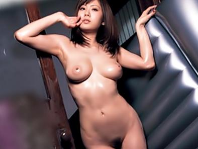 《麻美ゆま(^^♪》モテないクンに朗報♡スーパーオッパイお姉さんがお風呂風俗嬢になってご自宅でムフムフ~させちゃうょwwwww