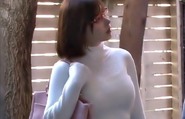 〚深田えいみ\激ガンギマリ~~(^^♪〛最強ピタニットの捜査官…媚薬を盛られたマ●コが発情メスと化しチ●コを求めちまうぜwwwww