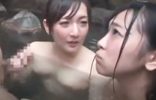 〚混浴ハーレム\親子丼完成(^^♪〛〇〇ちゃん気持ちぃぃおチ〇ポ触ってごらん…狂ったママが他人棒を娘とシェアしちまったwwwww