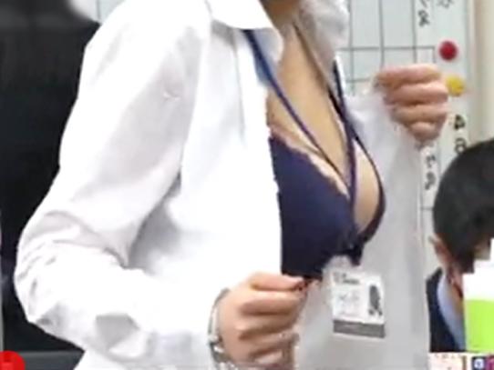 きたぁぁぁ~~~〚SOD女子社員\健康診断(^^♪〛恥ずかしい~同僚にガン見されてる美人おねーさんがイタズラされちまったwwwww