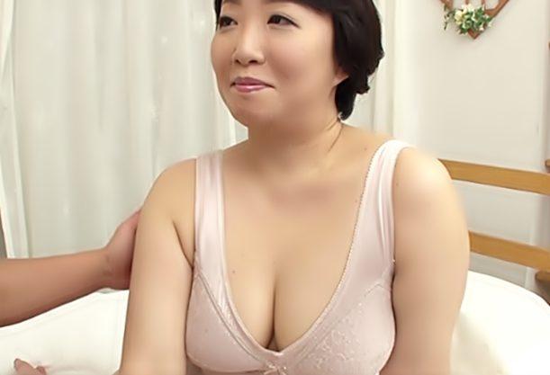 〚50歳\おばさま…中出しデビュー(^^♪〛むちむち~裸体が男優さんの濃厚キスで⇒秒で発情しちゃうぜwwwwwwwwwwwww