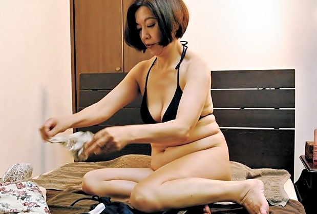 はふん♡気持ちぃぃ~~~施術お願いしますね(^^♪三段腹のような緩んだ裸体がOIL責めて絶叫しちまったwwwwwwwwwwwww