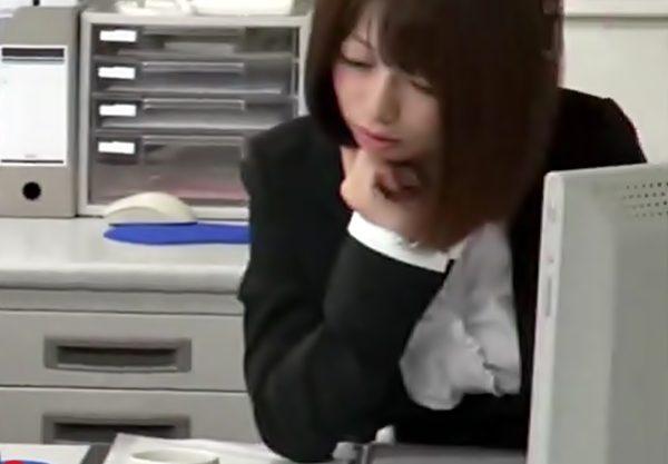 昏●薬DE大事故発生(^^♪はふ~~~ん眠い…生徒が盛った変なお茶で➡時間停止のように動かない教師が中出しされちまったwwwwww