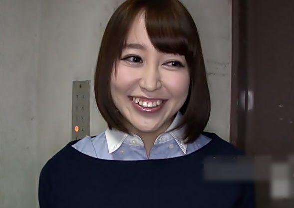【篠田ゆう】嬉しい~素人チ〇コにイタズラって…!睨みつける彼女を横目に絶品お姉さまが彼氏を射精させちまったぁぁ~wwwwwwwwww