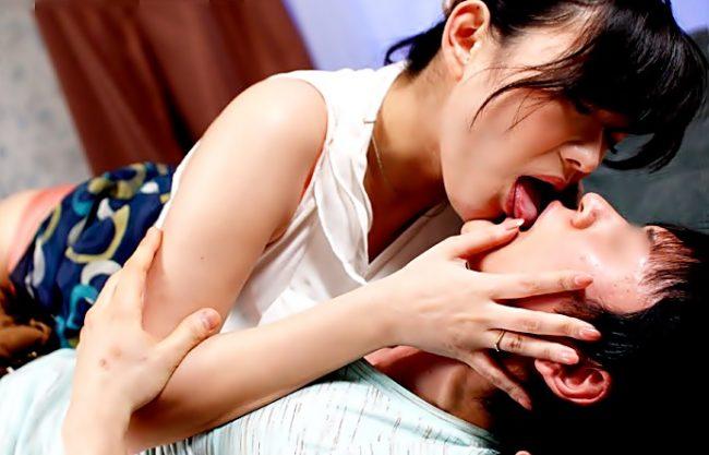 『西野翔(^^♪』僕ちゃん。。。欲しいの!パパと間違えて交わっちまった義理ママが禁断快感を目覚めちまったぁぁぁ~wwwwwwwwww