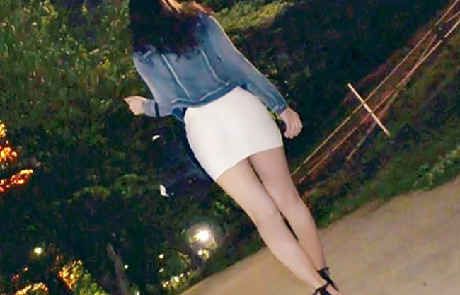 『美脚24歳\ガンギマリ^^』ルブ〇ンのレッドテールが似合いそうなモデルのような美女がエロ薬オイルが発情メス化しちまうぜwwww